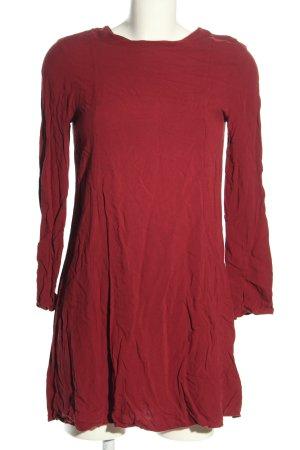 H&M Vestido camisero rojo look casual