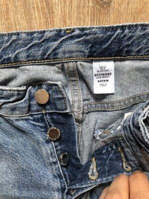 H&M Boyfriend Jeans destroyed