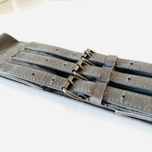 H&M breiter Gürtel Taillengürtel mit Stretch und Dreifach-Gürtelschnalle in grau XS 34