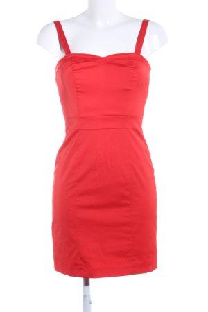 H&M Vestido bustier rojo look casual