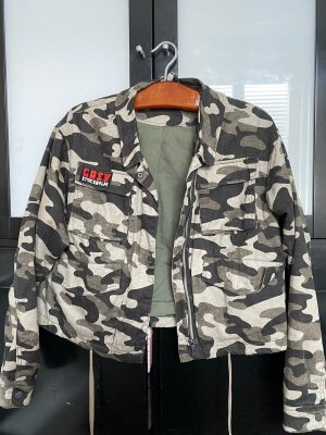 H&M camouflage Jacke Crey Stockholm in 38