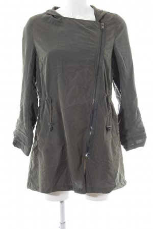 H&M Divided Blusenjacke khaki Street-Fashion-Look