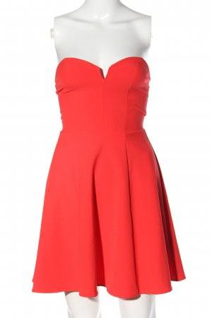 H&M Divided Vestido bustier rojo look casual