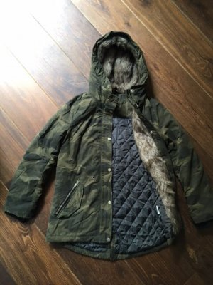 H&M Divided Camouflagejacke