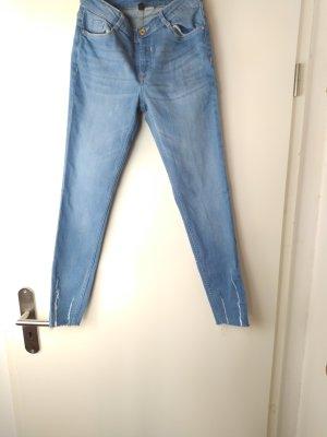 H&M Divided hellblaue Destroyed Stretch Jeans, Gr. 34 Neu