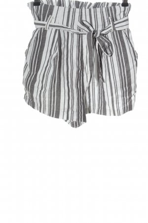 H&M Divided High-Waist-Shorts white-black striped pattern casual look