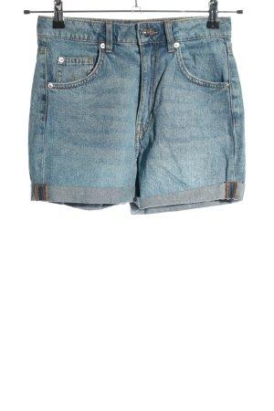 H&M Divided Pantalón corto de talle alto azul look casual