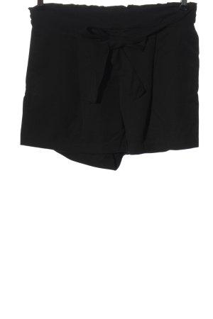 H&M Divided Pantalón corto negro look casual