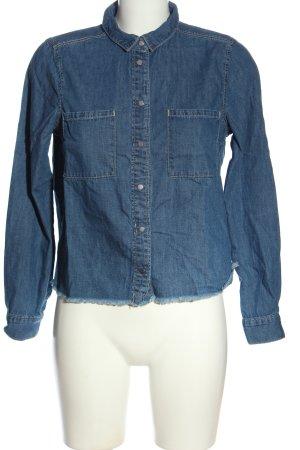 H&M Divided Camisa vaquera azul look casual