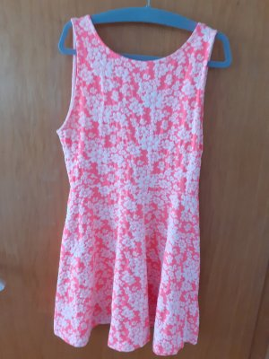H&M Divided Neon Pink weißes Kleid