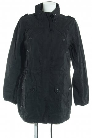 H&M Divided Outdoorjacke schwarz-weiß Streifenmuster Street-Fashion-Look