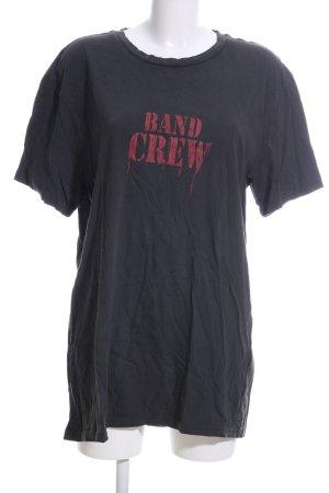 H&M Divided Camicia oversize nero-rosso caratteri stampati stile casual