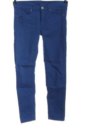 H&M Divided Pantalón de tubo azul look casual