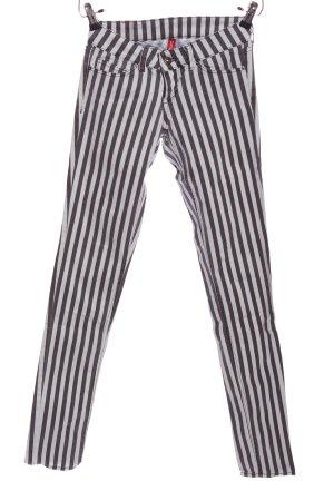 H&M Divided Röhrenjeans schwarz-weiß Streifenmuster Casual-Look