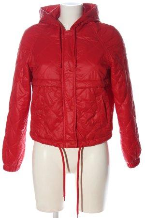 H&M Divided Pikowana kurtka czerwony Pikowany wzór W stylu casual
