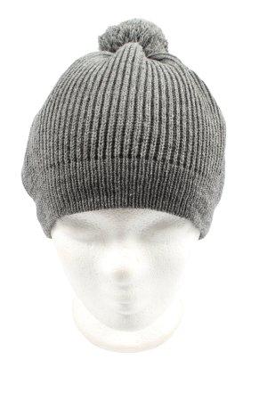 H&M Divided Sombrero de punto gris claro look casual