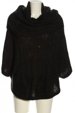H&M Divided Poncho de punto negro look casual