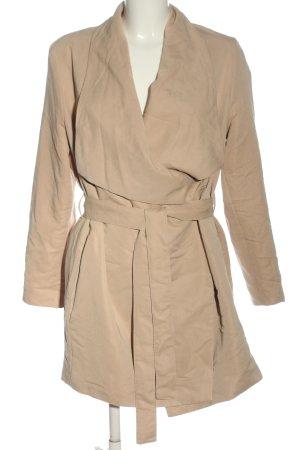 H&M Divided Between-Seasons-Coat nude casual look