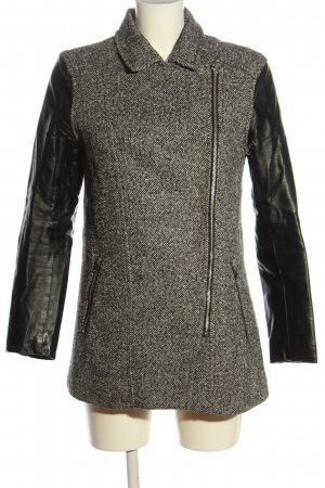 H&M Divided Between-Seasons-Coat flecked casual look