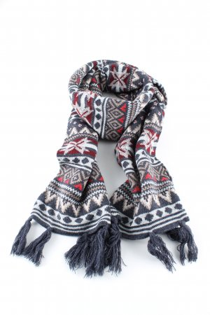 H&M Fringed Scarf graphic pattern casual look