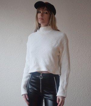 H&M Gesteppter wattierter Pullover mit Rollkragen weiß