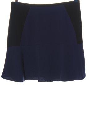 H&M Falda acampanada azul-negro look casual