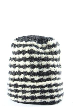 H&M Gorro tejido negro-blanco look casual