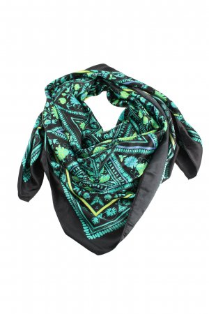 H&M Neckerchief graphic pattern casual look