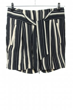 H&M High-Waist-Shorts blue-white allover print casual look