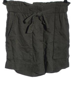 H&M Pantalón corto de talle alto gris claro look casual