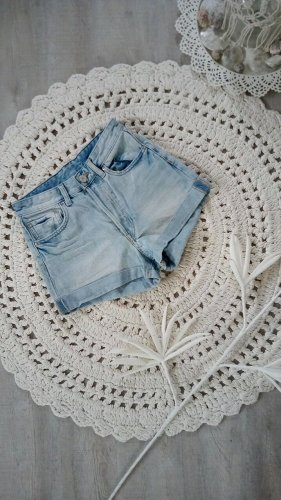 H&M High Waist Shorts Gr. 34 Umschlag Jeansshorts sexy hippie festival
