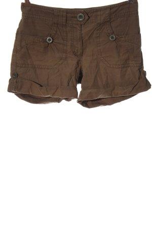 H&M Pantalón corto marrón look casual
