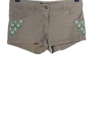 H&M Pantalón corto moteado look casual