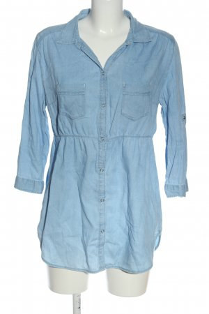 H&M Camisa vaquera azul look casual