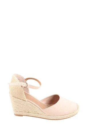 H&M Zapatos de cuña crema look casual