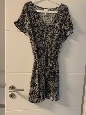 Devided von H&M Mini vestido negro-blanco