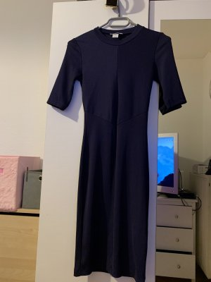 H&M Vestido elástico azul oscuro