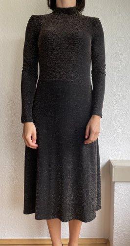 H&M Kleid mit Glitzerfäden