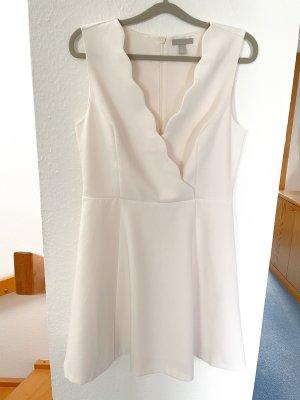 H&M Kleid mit V-Ausschnitt | Gr. 40 | cremefarben