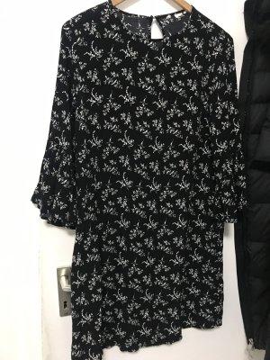 H&M Robe à volants noir-blanc