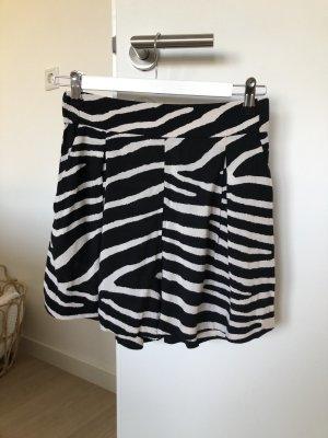 H&M kurze Hose mit Zebramuster