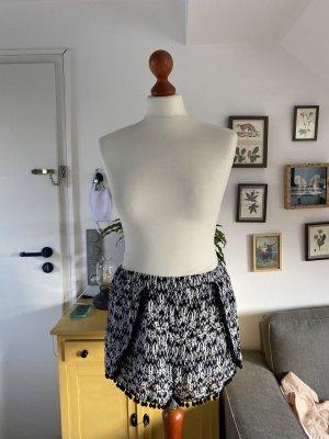 H&M kurze Hose schwarz weiß 40 Hotpants leicht Sommer