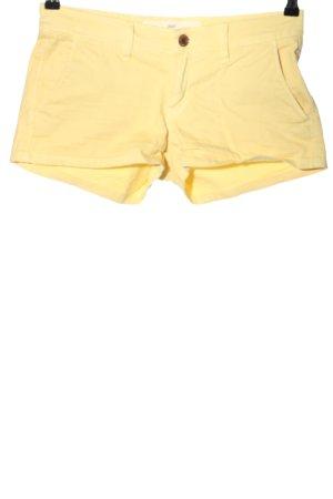 H&M L.O.G.G. Hot Pants blassgelb Casual-Look