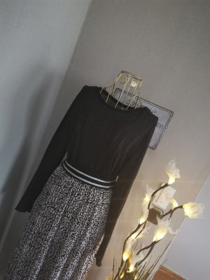 H&M Langarmshirt schwarz leicht transparent Gr. M
