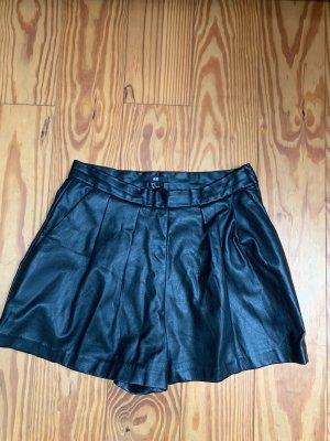 H&M High-Waist-Shorts black