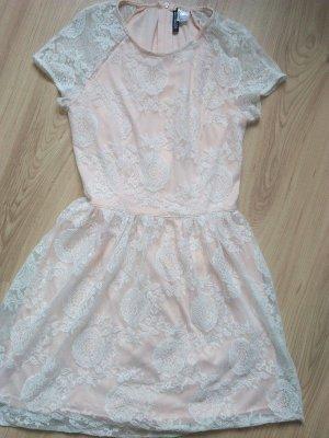 H&M Minikleid Romantik Minikleid Weiss Spitzenstil Haute zartapricot Unterstoff