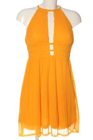 H&M Vestido de cuello Halter amarillo pálido look casual