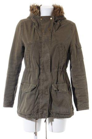H&M Parka khaki-olivgrün Street-Fashion-Look