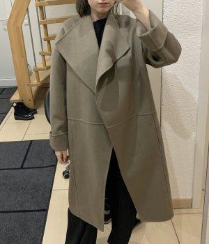 H&M Premium Abrigo ancho marrón grisáceo Lana