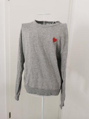 H&M Pullover Grau mit Herz auf der Brust